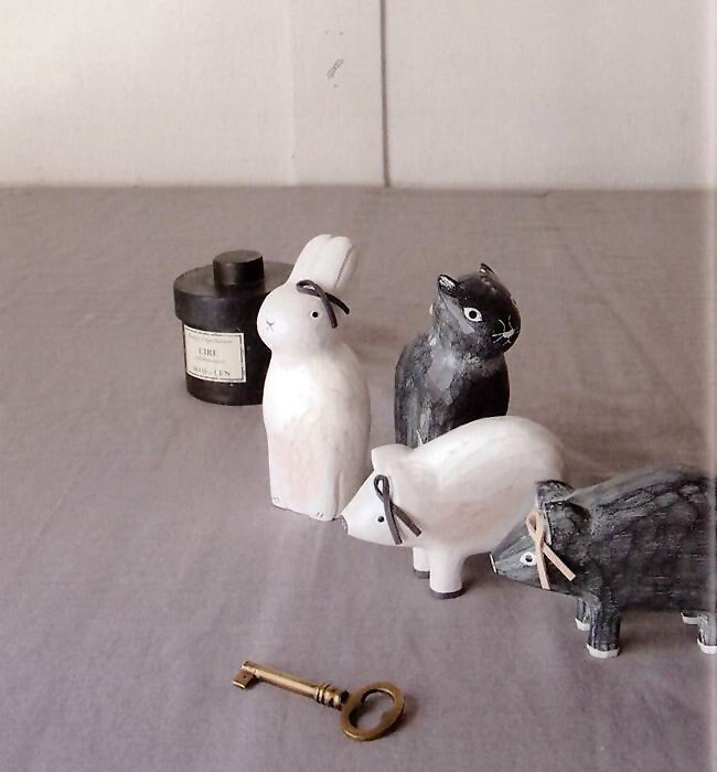 日本 T-Lab 手工原木製 單調系列 《 兔子 / 黑貓 / 小豬 4款任選 》★ Zakka鄉村風 ★ - 限時優惠好康折扣
