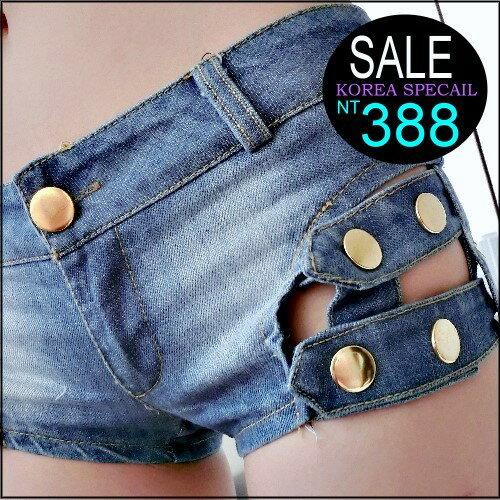 ~克妹~  ~AT37151~ jp 側金屬釘釦摟空水洗牛仔短褲