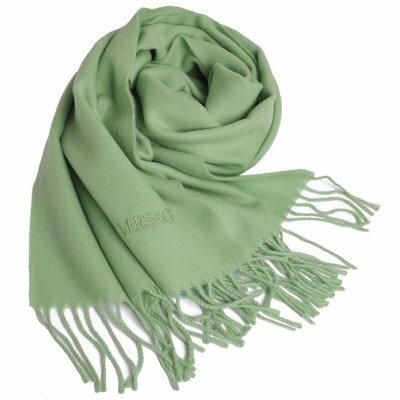 VERSACE 凡賽斯品牌字母LOGO刺繡高質感羊毛圍巾(果綠)