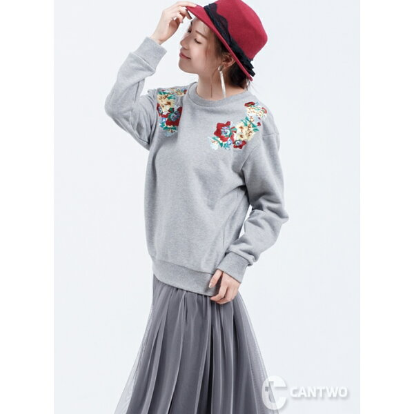 CANTWO:CANTWO肩部刺繡大學T(共二色)