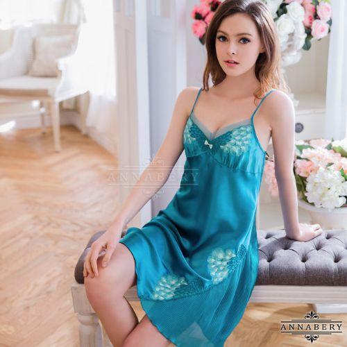 大尺碼Annabery典雅湛藍花漾緞面睡衣性感睡衣情趣用品