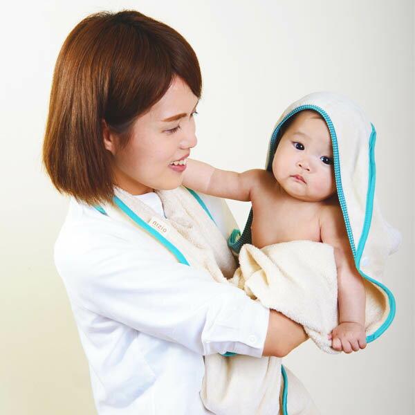 ollobaby瓦吉司 - Nizio - 多功能成長型浴巾 (藍綠點點) 3
