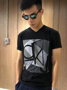 美國百分百【全新真品】CalvinKleinT恤CKlogo短袖T-shirt設計男款黑色J087