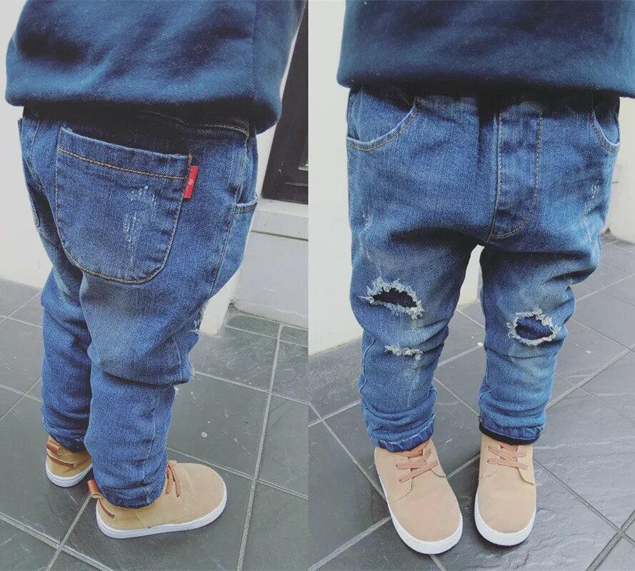 正韓牛仔褲  B107-1 每年都要做的破洞貼布褲子.今年破洞褲採用時下最流行的進口黏貼工藝.