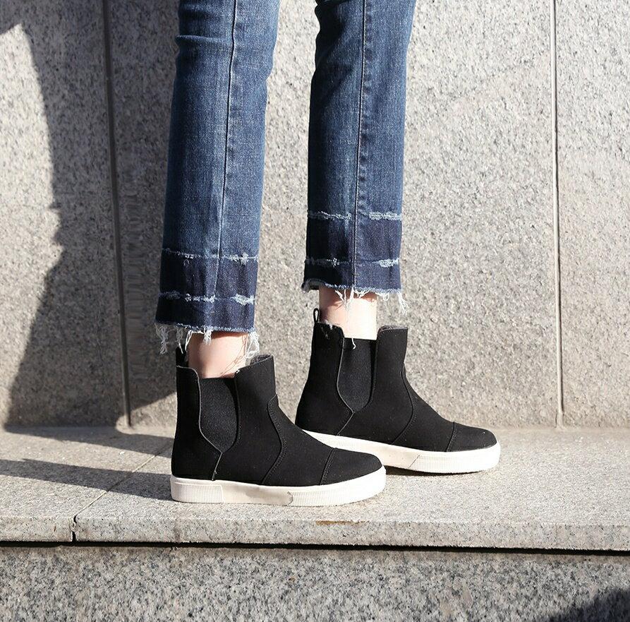 正韓直送 拼接布面 內刷短絨毛 厚軟底休閒中統靴 (黑色)