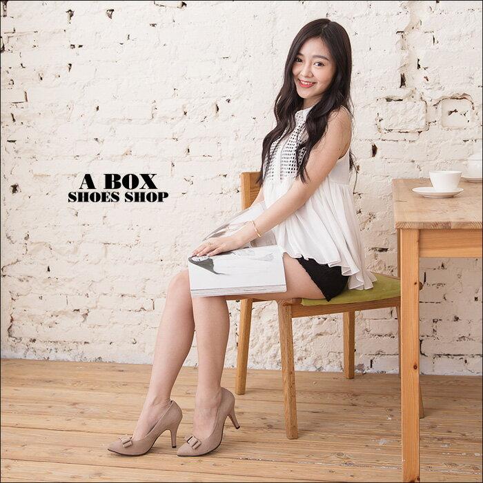 格子舖*【AA930】MIT台灣製 嚴選氣質蝴蝶結質感絨布 8.5CM細高跟鞋 尖頭包鞋 2色 1