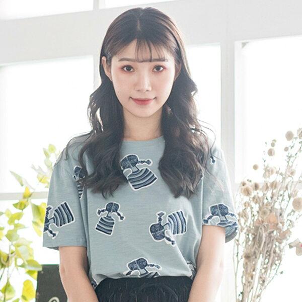 棉T--舒適可愛風辮子少女印花減齡寬鬆修身圓領短袖T恤(粉.藍L-4L)-T339眼圈熊中大尺碼