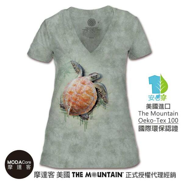 【摩達客】(預購)美國TheMountain都會系列爬行海龜V領女版短T