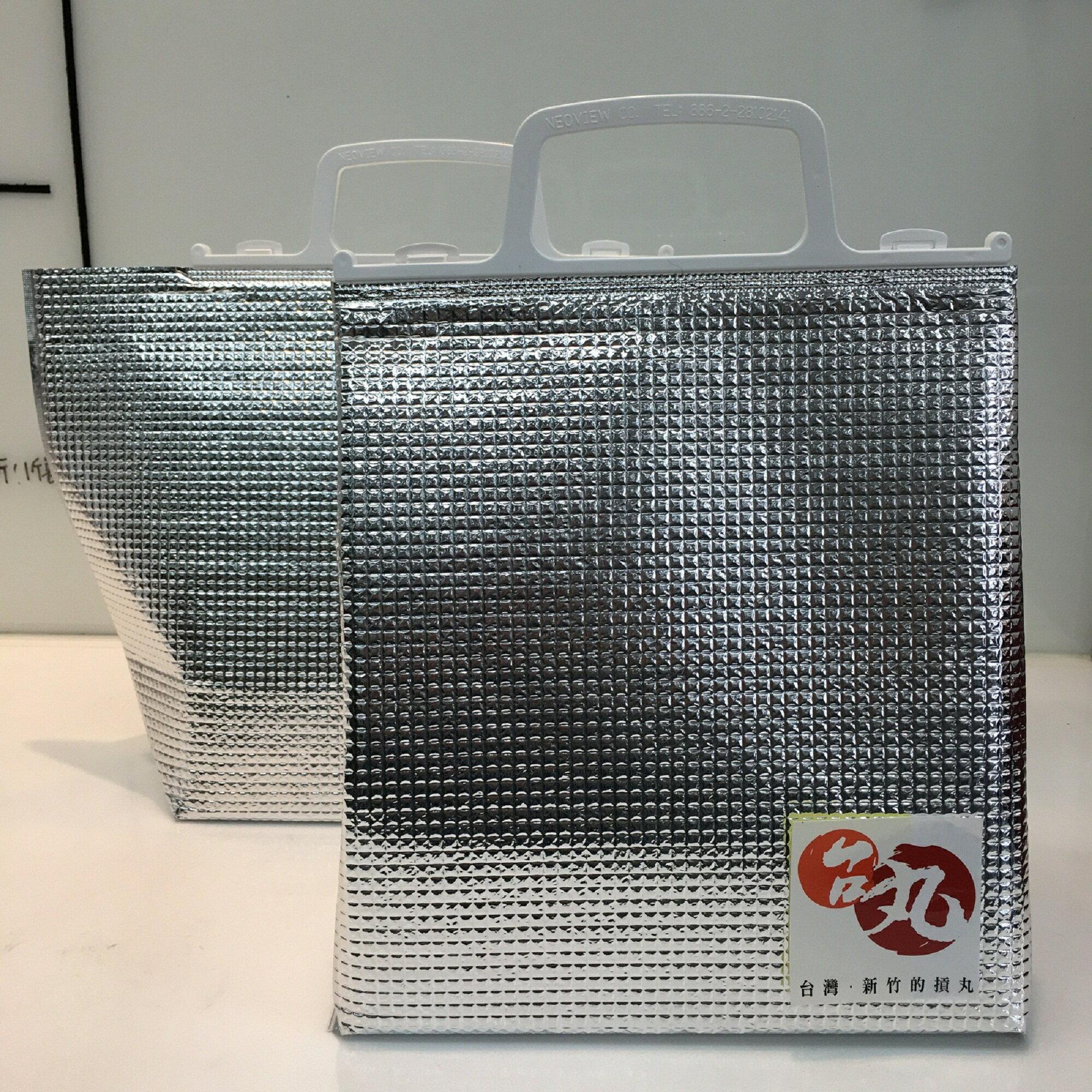 送禮實用保冷袋2~4小時不退冰,大小適合最多可放進5包貢丸