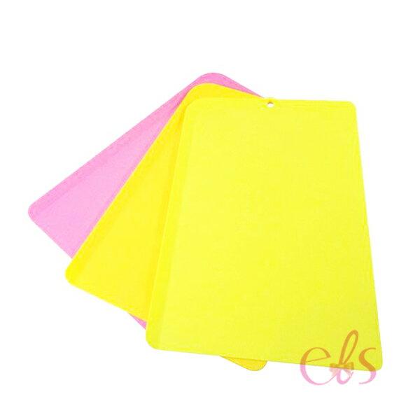 艾莉莎ELS:日本製Pre-mier柔軟可彎曲超薄彩色抗菌砧板露營三入組(大)☆艾莉莎ELS☆