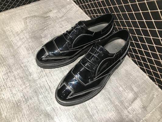 FINDSENSE服飾:FINDSENSEMD日系時尚潮男高品質頭層漆皮亮面黑色白線商務皮鞋休閒鞋皮鞋牛津鞋