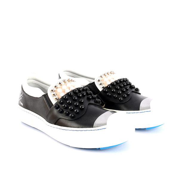 【FENDI】Monster slip on卡爾黑色皮革鉚釘怪獸厚底鞋 8E6021 6VQ 1CP