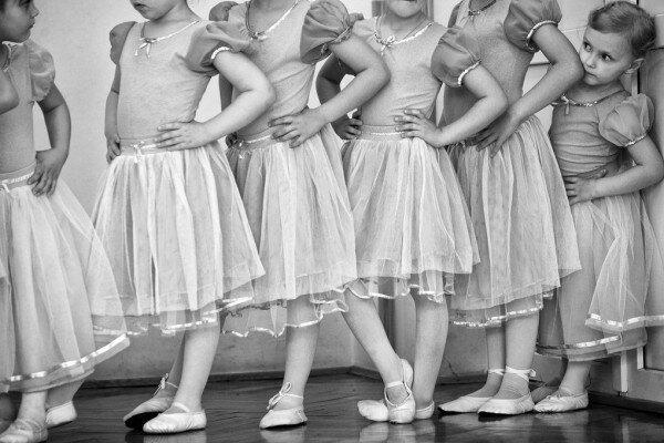 兒童房黑白照芭蕾壁畫訂製壁畫e310006