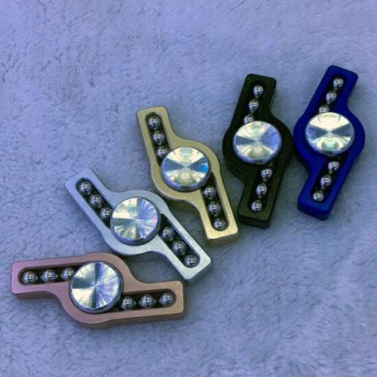 ♚MYCOLOR♚鋁合金大閃電指尖陀螺大閃電6鋼珠鋁合金手指玩具抗煩躁【P25-3】