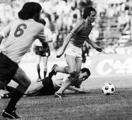 Johan Cruyff (1947- ) Ndutch Soccer Player Cruyff Runs Through UruguayS Defense During The 1974 World Cup Held In West Germany Poster Print by (24 x 36) be8253b0a28bc6f45e9aff05afa9642e
