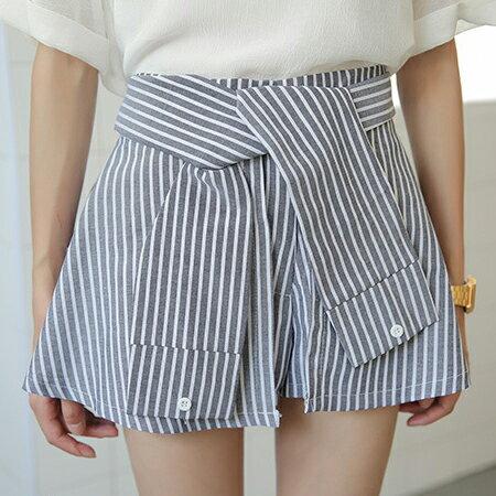 SISI~P6037~條紋控 假兩件條紋假襯衫袖綁帶鬆緊腰短裙褲裙