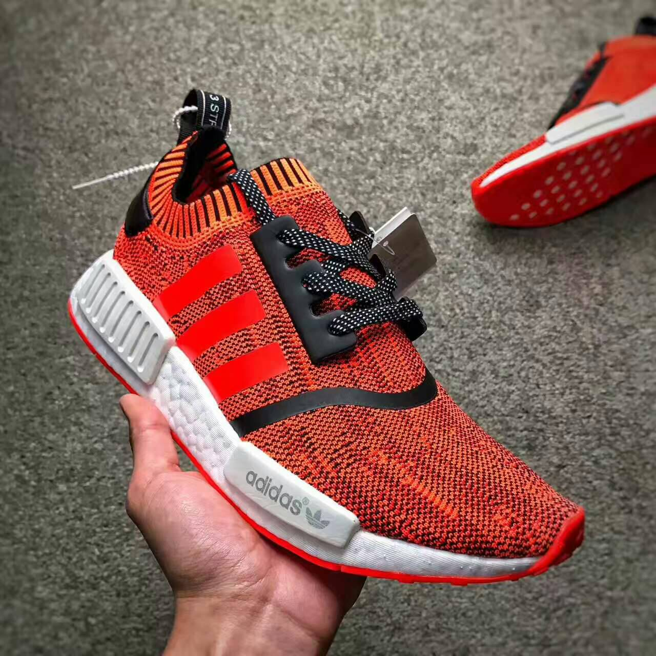 new concept ff437 88d53 Adidas NMD R1 NYC RED APPLE 紐約限定 情侶款