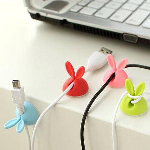 PS Mall 可愛兔耳朵造型集線器 桌面收納捲線固線器貼【J1621】