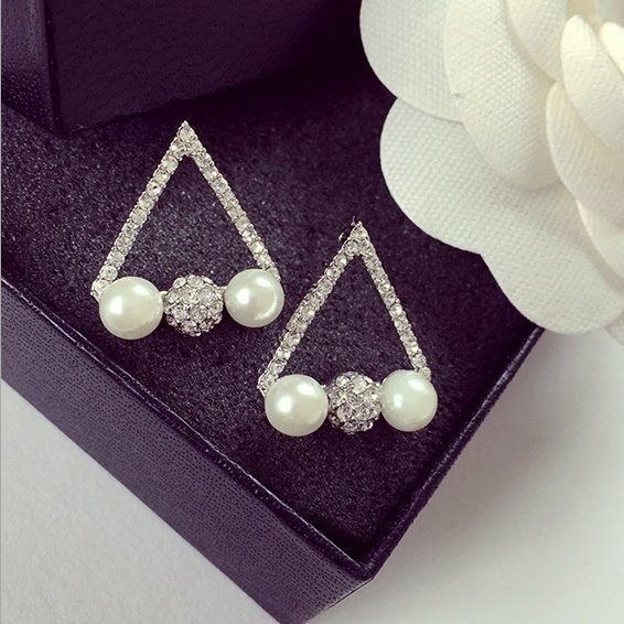 PS Mall  飾品 鏤空鑲鑽幾何 三角形珍珠鑽球 耳釘 耳環 耳飾~G1839~