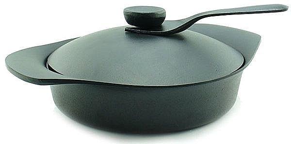 日本 【柳宗理】 南部鐵器 22cm 雙耳中深鐵鍋(附鐵蓋+鐵匙)