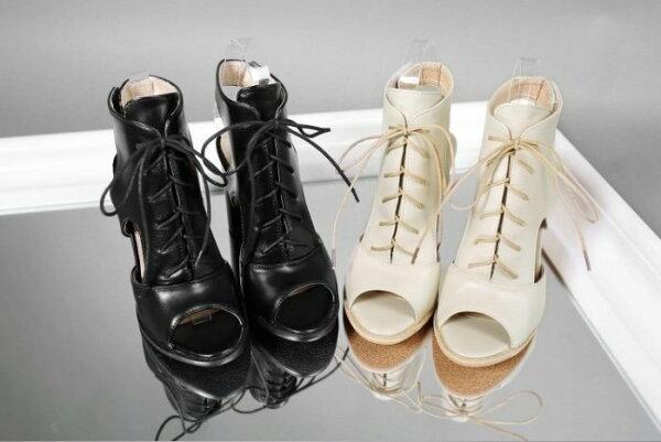 Pyf♥韓版性感簍空皮革繫帶魔鬼氈粗高跟魚口涼鞋48大尺碼女鞋