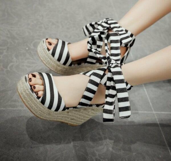 Pyf♥日雜人氣海軍條紋綁帶厚底草編楔型涼鞋43大尺碼女鞋