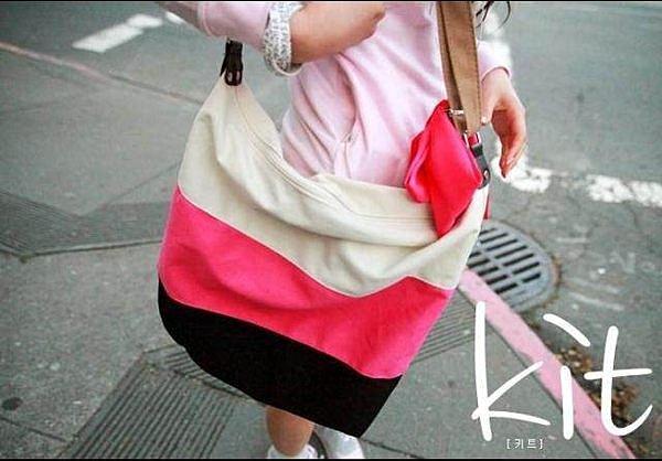 =優 =((韓國百搭包包)) 搶眼三色撞色背包 側背包 條紋包 單肩包 休閒包 帆布包