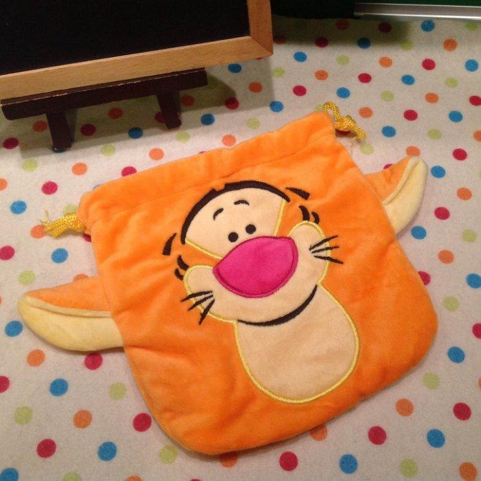 =優生活=迪士尼小熊維尼跳跳虎 刺繡Tigger毛料收納袋 束口袋 化妝包 拍立得相機包 雜物包
