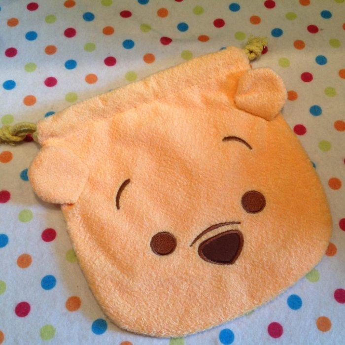 =優生活=迪士尼 tsum tsum 維尼 小熊維尼毛絨刺繡束口袋 拉繩袋 拍立得收納包 化妝包 雜物包