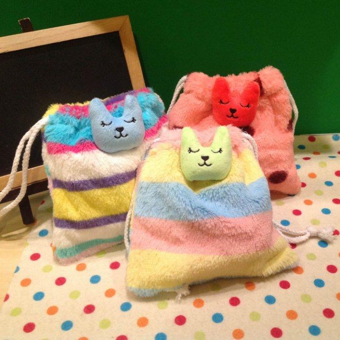 =優生活=梨花CRAFTHOLIC 毛絨立體束口袋 鳳梨熊/彩虹兔/墨西哥熊束口袋 收納袋 相機包 雜物包