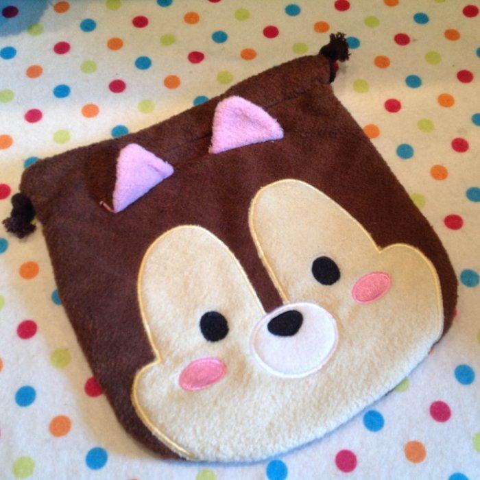 =優生活=迪士尼 tsum tsum 松鼠 奇奇蒂蒂毛絨刺繡束口袋 拉繩袋 拍立得收納包 化妝包 雜物包