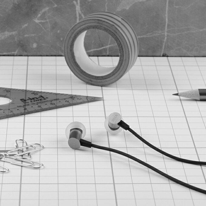 <br/><br/>  S500輕量化入耳式耳機<br/><br/>