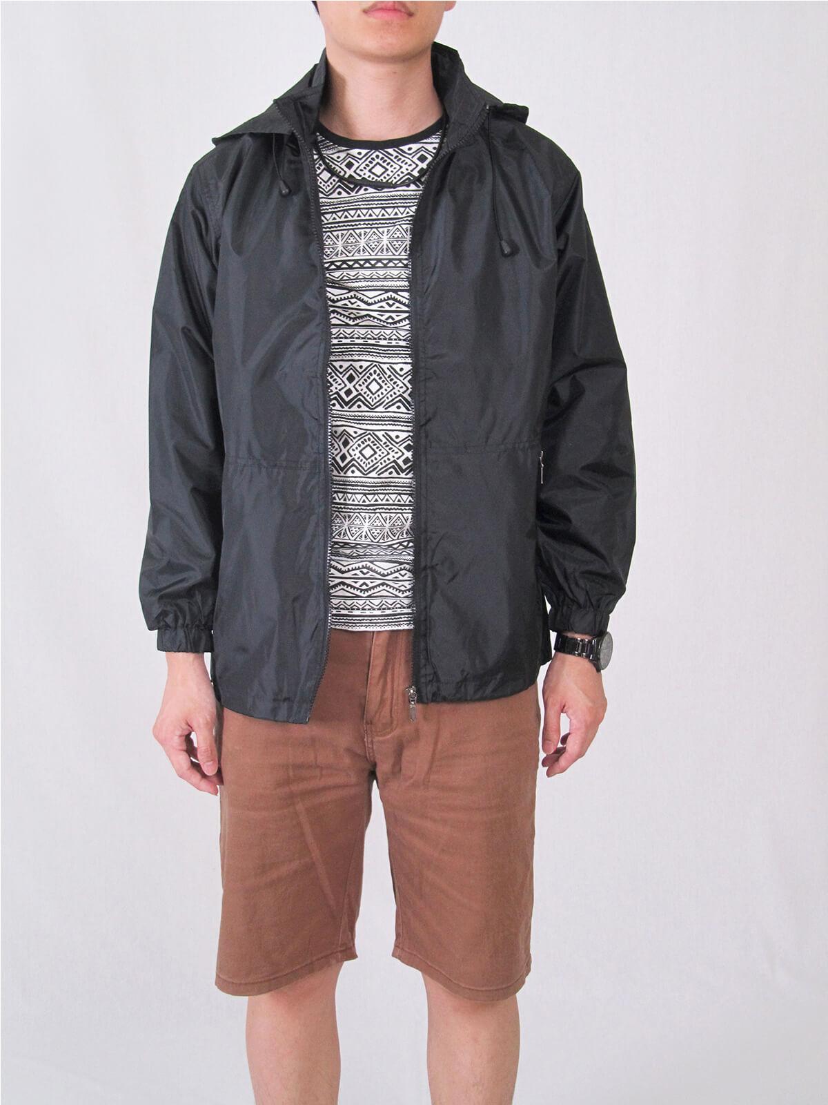 抗紫外線防曬薄外套 防風防潑水休閒外套 抗UV機能布料素面外套 遮陽外套 附帽可拆 風衣外套 輕量薄外套 ANTI-UV THIN COAT JACKET (321-8816-01)黑色、(321-8816-02)深藍色、(321-8816-03)紅色 M L XL 2L 3L 4L 5L(胸圍:45~57英吋) [實體店面保障] sun-e 7