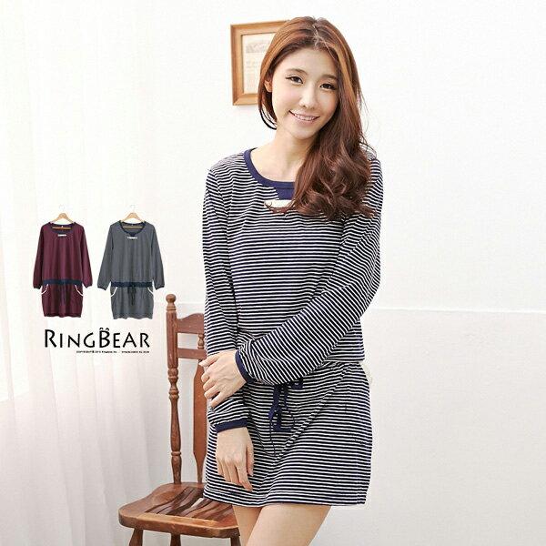 洋裝--鄉村風味口袋滾蕾絲橫條抽繩縮腰洋裝(紅.藍XL-3L)-A159眼圈熊中大尺碼