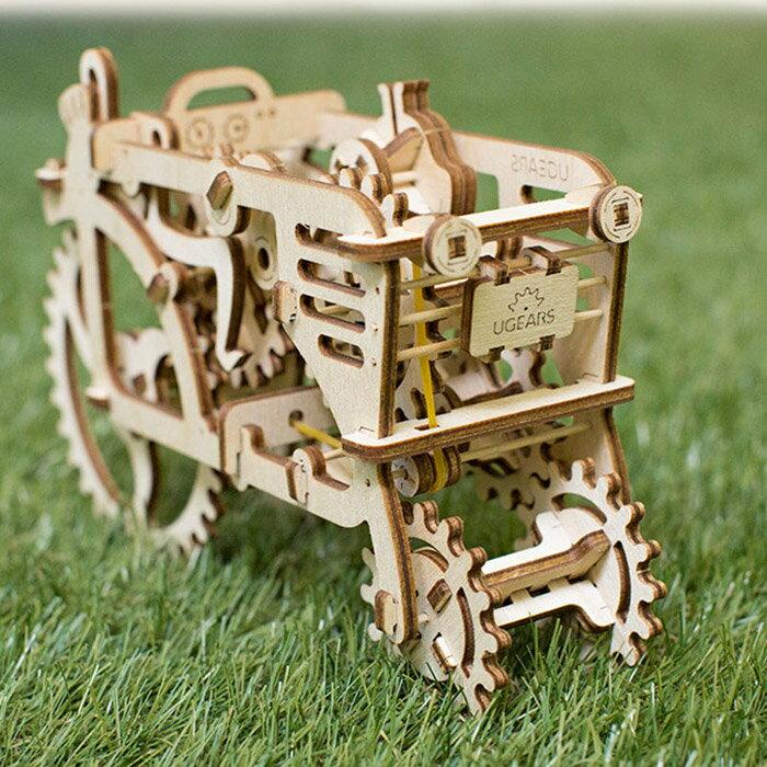 Ugears 自我推進模型 (Tractor 拖拉機) 4