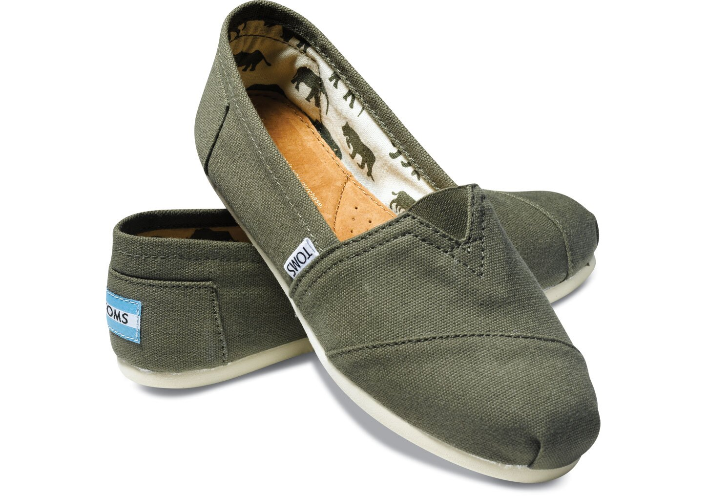 【TOMS】橄欖綠色素面基本款休閒鞋  Olive Canvas Women's Classics 0
