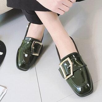 樂福鞋 英倫風漆皮方扣珍珠粗跟懶人鞋【S1686】☆雙兒網☆