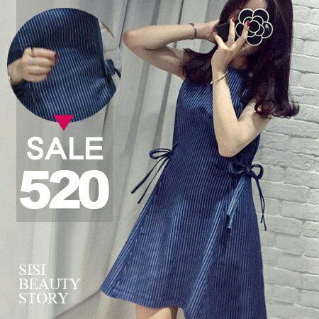 SISI【D6192】韓版圓領無袖細直條紋牛仔高腰修身綁帶大傘襬裙連身裙丹寧牛仔洋裝