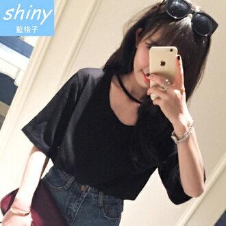 【V0498】shiny藍格子-輕鬆休閒.基礎百搭領口洞洞性感寬鬆短袖上衣