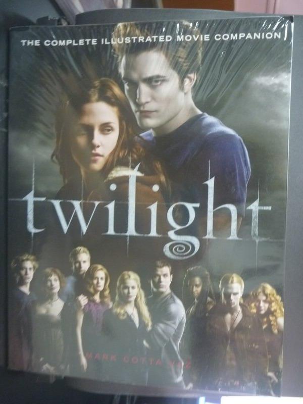 【書寶二手書T4/影視_YHS】Twilight-The Complete Illustrated Movie Comp
