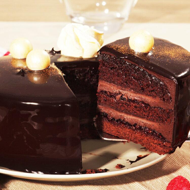【美地瑞斯】浪漫來襲 6吋 759免運 →新鮮覆盆子熬煮成醬,與黑巧克力和蛋糕層層疊疊,一口咬下去酸酸甜甜綿綿密密,還有巧克力香濃的香味,喜歡覆盆子的酸甜與黑巧克力的融合的粉絲們千萬別錯過這顆經典的浪漫來襲~ 0