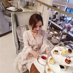 PS Mall V領收腰顯瘦蕾絲連身裙(送腰帶) 洋裝【T154】