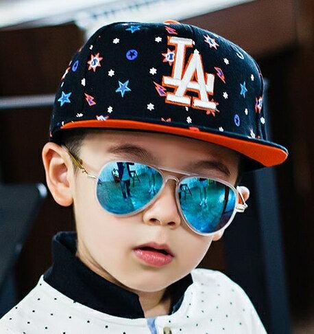 Grechel◆時尚潮流亮色注目星空酷炫印花LA字母嘻哈兒童休閒鴨舌棒球帽-橘色