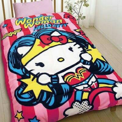 【UNIPRO】Hello Kitty 凱蒂貓 Wonder Woman 神力女超人 150X195公分 雙人毯被 保暖被 厚被子 三麗鷗正版授權 台灣精品 KT