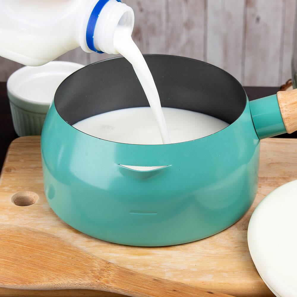 牛奶鍋 IH電磁爐瓦斯爐均 長把鍋 可煮泡麵 也可煮奶茶 附蓋~G053~