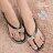 格子舖*【AR588】超值金屬水鑽墜飾 100%防水PVC 造型夾腳拖鞋 海灘拖 2色 - 限時優惠好康折扣