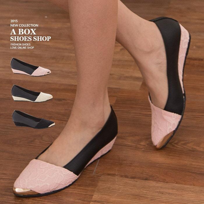 格子舖*【KTDWP3110】MIT台灣製 女神款 皮革拼接質感蕾絲提花布 金屬鞋頭 楔型包鞋 5色 2