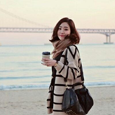 <br/><br/>  WallFree窩自在★韓式百搭純色棉麻圍巾-卡其<br/><br/>