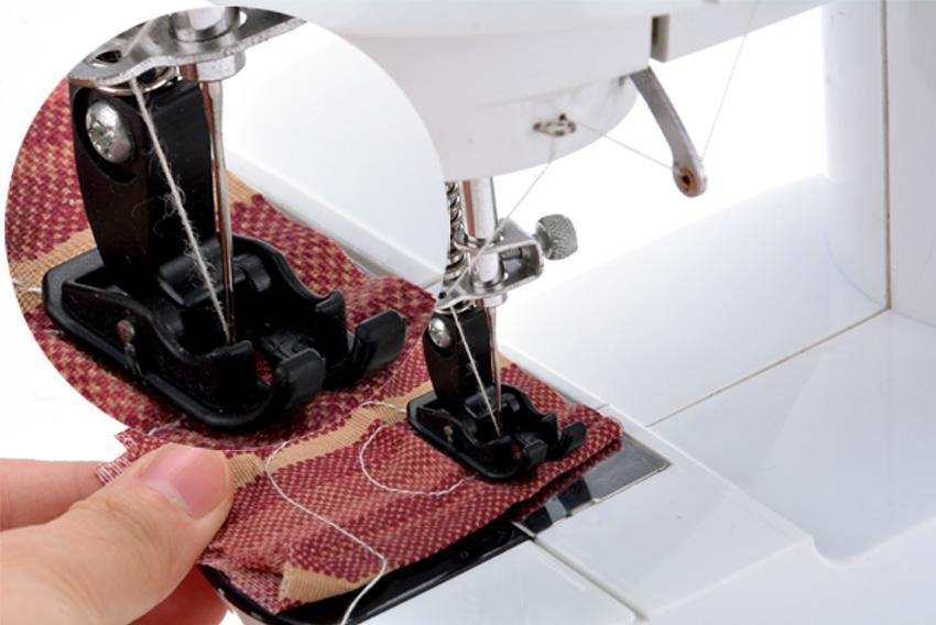 Portable Mini Handheld Electric Sew 2-Speed Sewing Machine Battery/Mains Powered  Bobbins 5