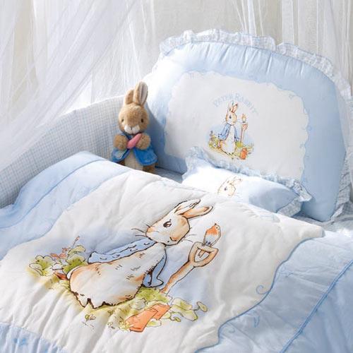 【淘氣寶寶●限時下殺↘$3820●現貨】奇哥 Peter Rabbit 粉彩比得兔6件床組 (M-粉藍) 日本SEK抗菌防螨處理